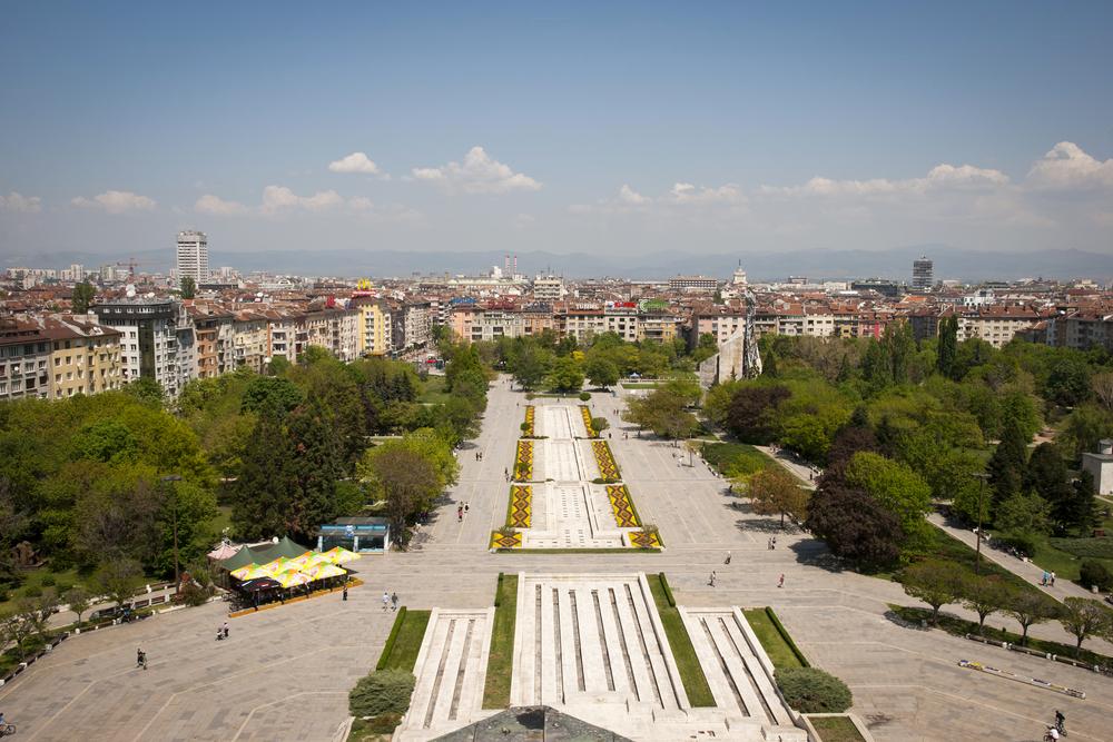 Sofia – místo s dávnou historií, podle archeologických nálezů bylo místo na úpatí hory Vitoša osídleno už před 8000 lety. Dnes tu sídlí 9 univerzit.