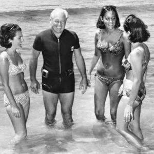 V roce 1967 si australský premiér vyšel na pláž zaplavat a už nikdy nebyl spatřen.