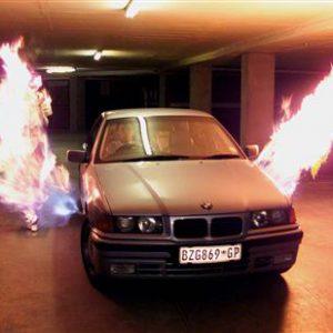 Jihoafričané mohou ke svým vozům legálně připojit plamenomety, aby odradili zloděje.