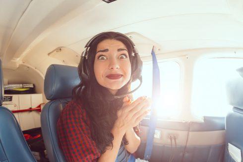 Co pomůže, když se bojíte létat? Vědomosti, hluboké dýchání a žádný alkohol