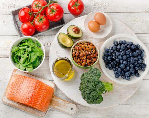 Potraviny pro náš mozek. Co jíst, aby nám to správně myslelo?
