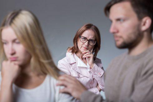 Za vaše nevydařené vztahy mohou vaši rodiče! Jak to?