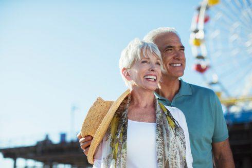 Život se zlepšuje po padesátce: proč věk pracuje ve prospěch štěstí?