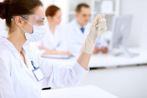 Je výzkum o cytomegaloviru výsledkem pouhé shody náhod? Opravdu nás virus oblbuje?
