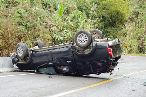 Když jsme všichni nadprůměrní řidiči, kdo způsobuje bouračky?