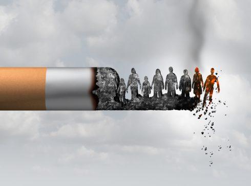 Hlad po dopaminu, stres i hrozba mrtvice. Jak nám cigarety motají hlavu