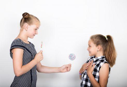 Sebeovládání dnešních dětí je větší než dřív, říká studie