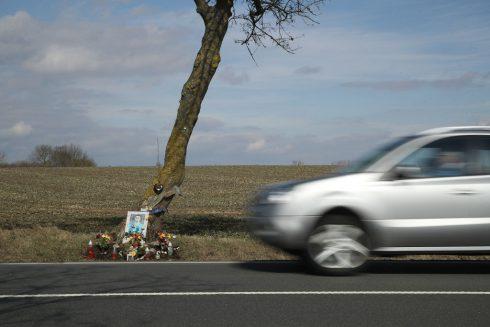 Autonehody nezraňují jen tělo, ale i duši. Viníkům i obětem
