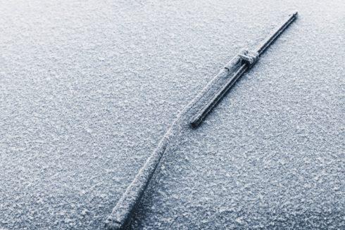 Bouráky na sněhu aneb 5 tipů, jak přežít zimu s autem