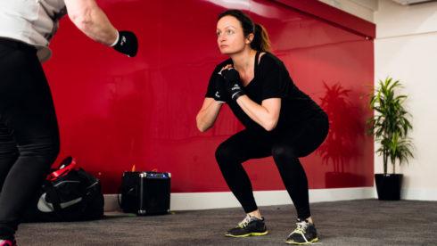 TOP 10 cviků na břišní a hýžďové svalstvo (LAB)